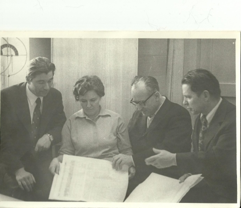 g-d-kartashov-sleva-s-kollegami